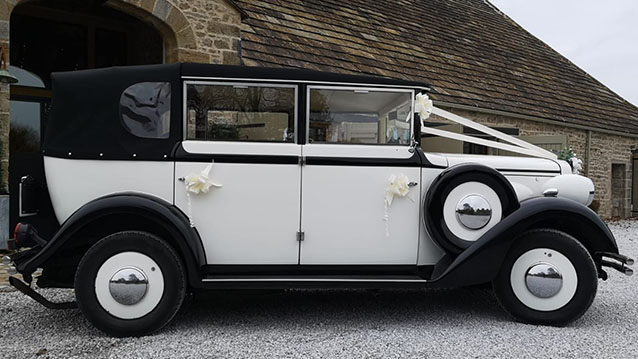 Regent Landaulette wedding car for hire in Barnsley, South Yorkshire