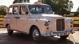 Taxi Cab wedding car for hire in Hemel Hempstead, Hertfordshire