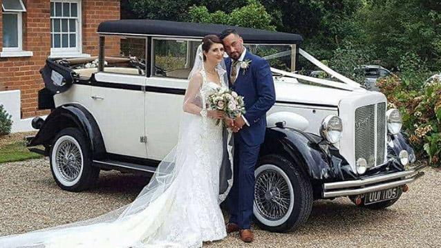 Regent Landaulette wedding car for hire in Doncaster, South Yorkshire