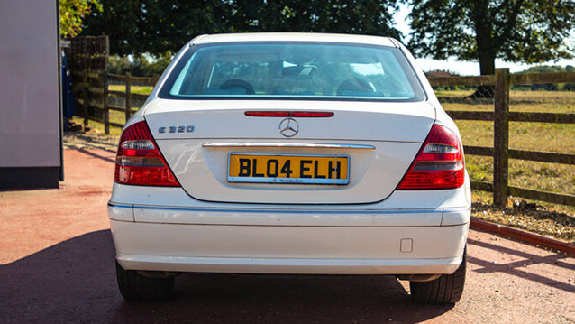 Mercedes 'E' Class 320 wedding car for hire in Hemel Hempstead, Hertfordshire