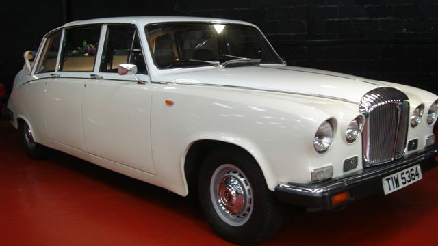 Daimler DS420 Landaulette wedding car for hire in Glasgow, Scotland