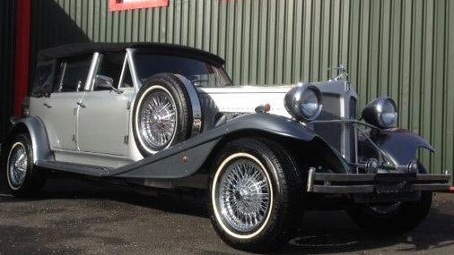Beauford Convertible LWB wedding car for hire in Glasgow, Scotland