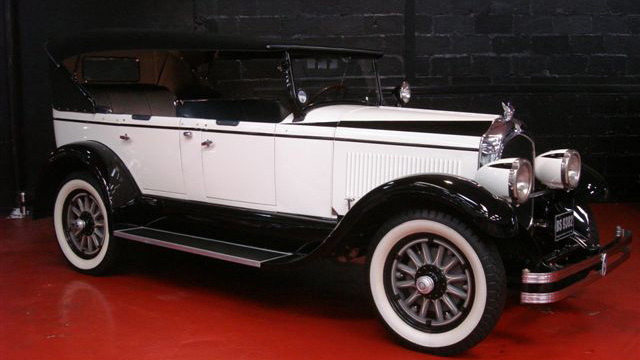 Chrysler Imperial Convertible wedding car for hire in Glasgow, Scotland