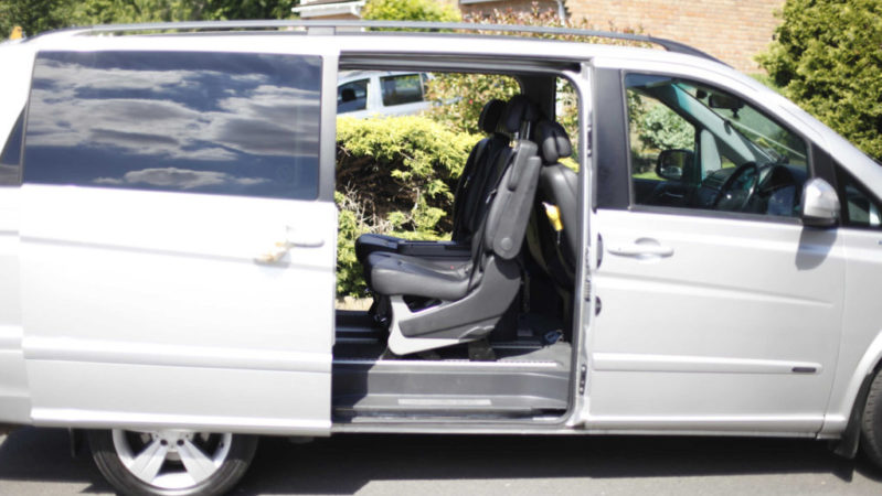 Mercedes V Class wedding car for hire in Chippenham, Wiltshire