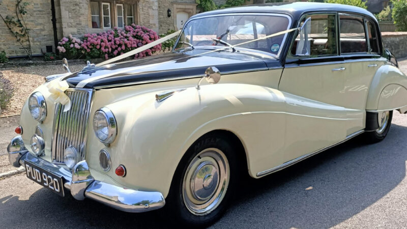 Armstrong-Siddeley Star Sapphire wedding car for hire in Kettering, Northamptonshire