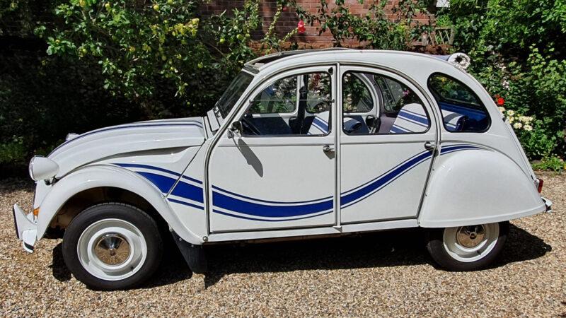 Citroen 2CV Convertible wedding car for hire in Thetford, Norfolk