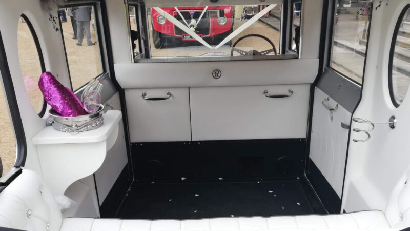 Regent Landaulette wedding car for hire in Chesterfield. Derbyshire