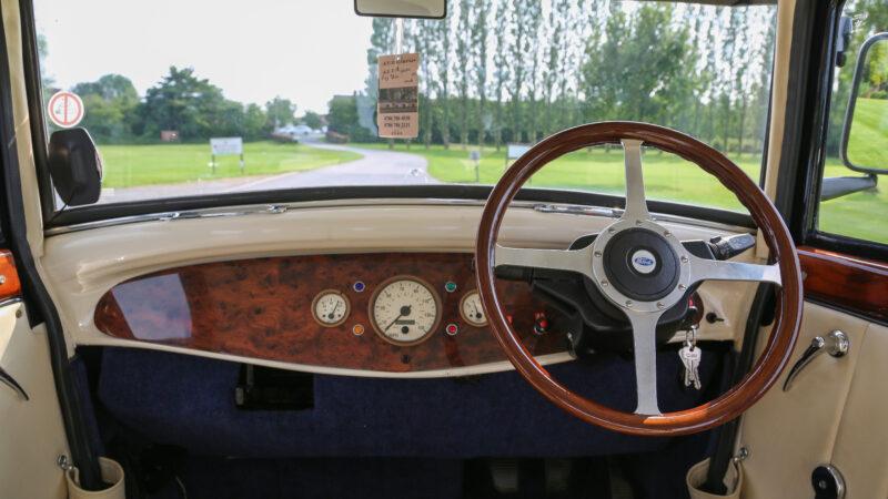 Branford Landaulette wedding car for hire in Manchester