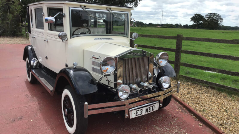 Imperial Viscount Landaulette wedding car for hire in Hemel Hempstead, Hertfordshire