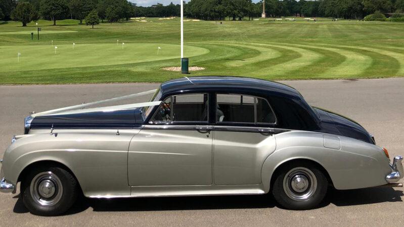 Bentley S2 wedding car for hire in Aylesbury, Buckinghamshire