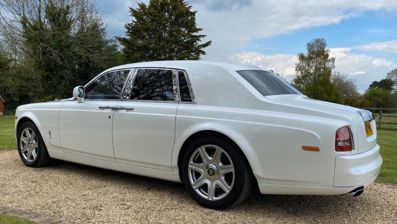 Rolls-Royce Phantom wedding car for hire in Newbury, Berkshire